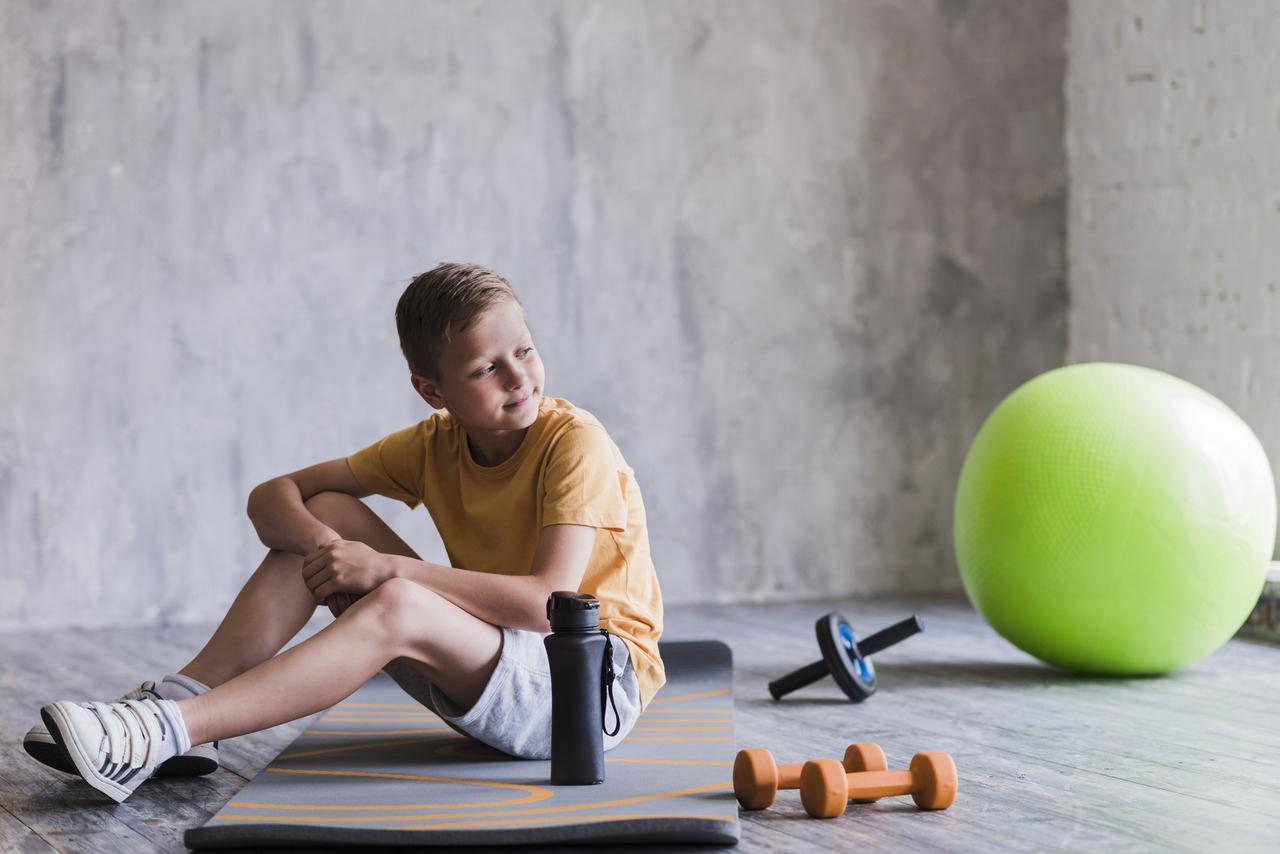 Trening siłowy dzieci i młodzieży od lat wywoływał wiele kontrowersji. W artykule tym na podstawie publikacji naukowych, rozprawiono się z wieloma mitami.
